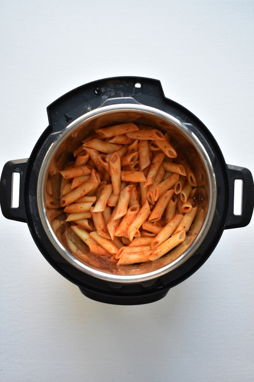 How to make pasta in instant pot - priyascurrynation.com #easyrecipes #instantpotrecipes